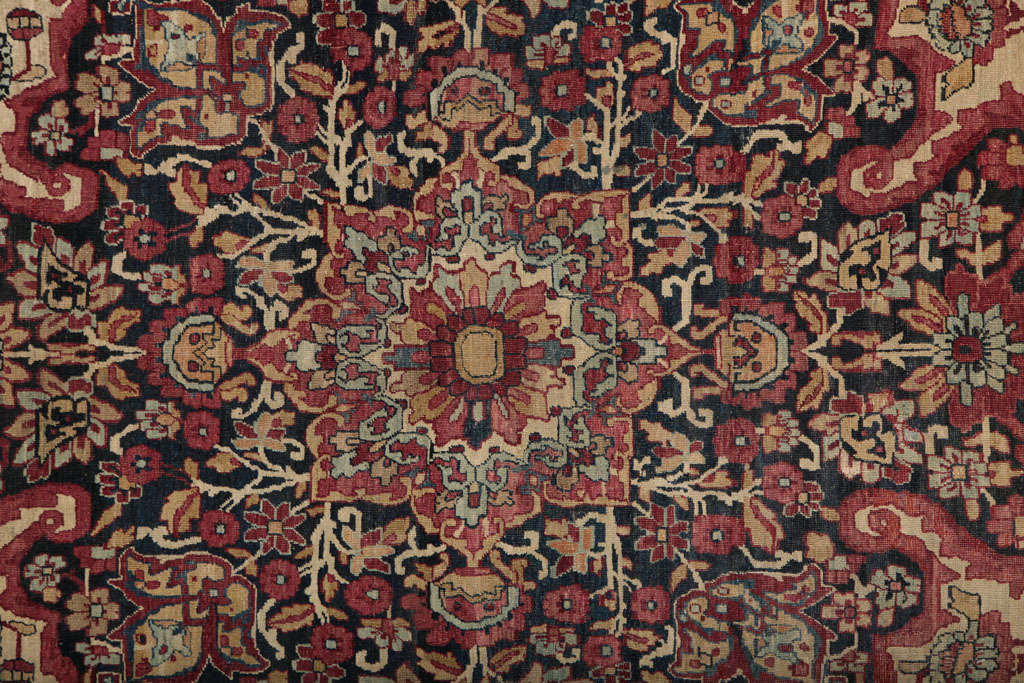 20th Century Persian Kermanshah Carpet circa 1880 in Handspun Wool and Vegetable Dyes For Sale
