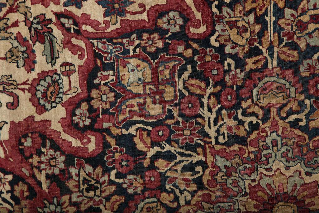 Persian Kermanshah Carpet circa 1880 in Handspun Wool and Vegetable Dyes For Sale 3