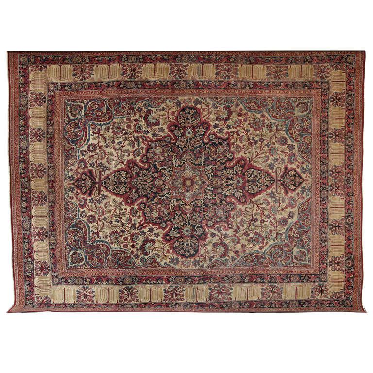 Persian Kermanshah Carpet circa 1880 in Handspun Wool and Vegetable Dyes For Sale