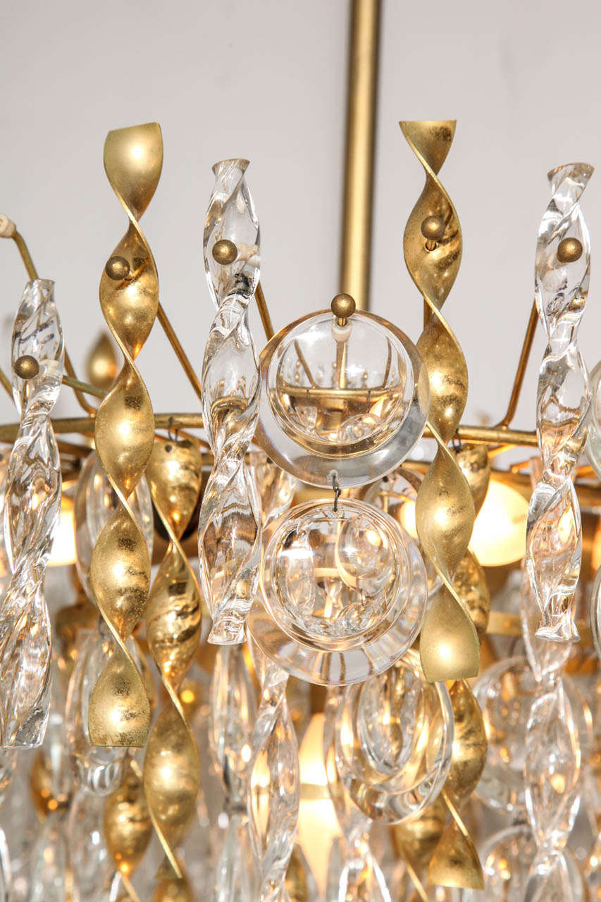 Sciolari Crystal Disc Pendant Chandelier with Glass and Brass Gold Twists In Good Condition For Sale In New York, NY