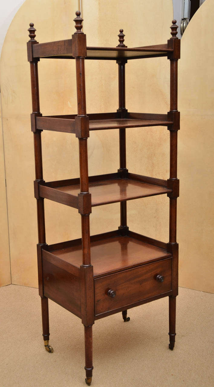 English Early 19th Century Mahogany Étagère For Sale