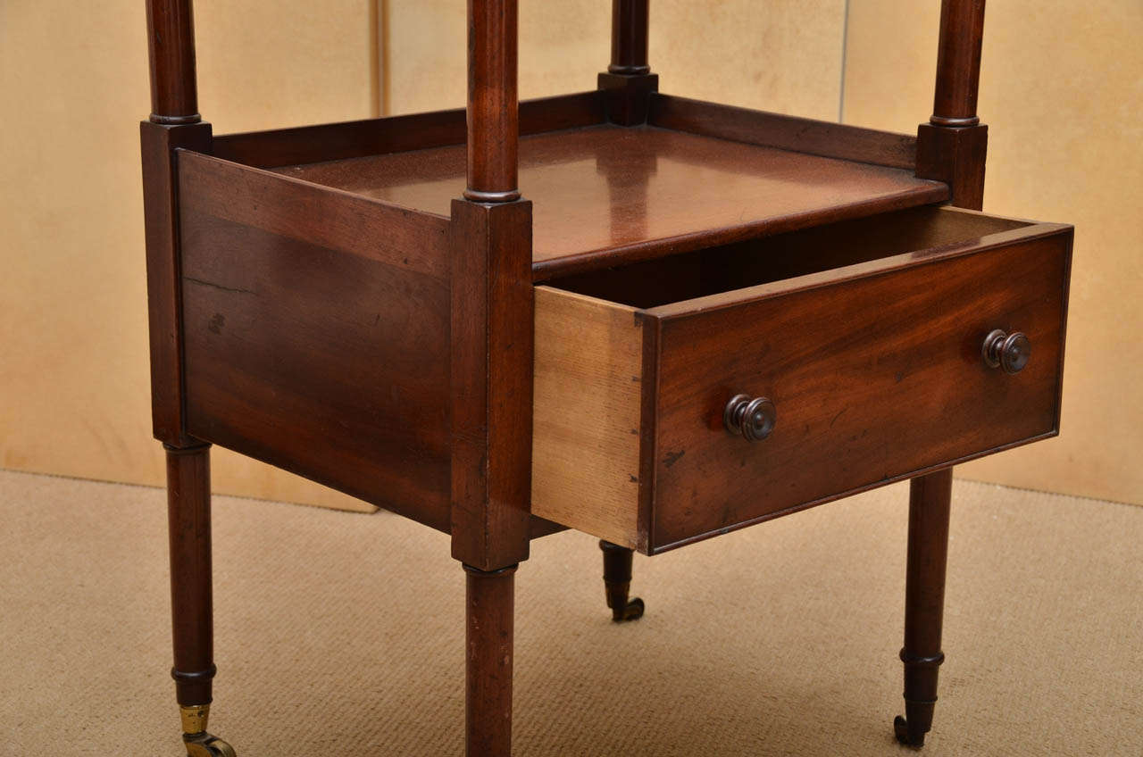 Early 19th Century Mahogany Étagère For Sale 1