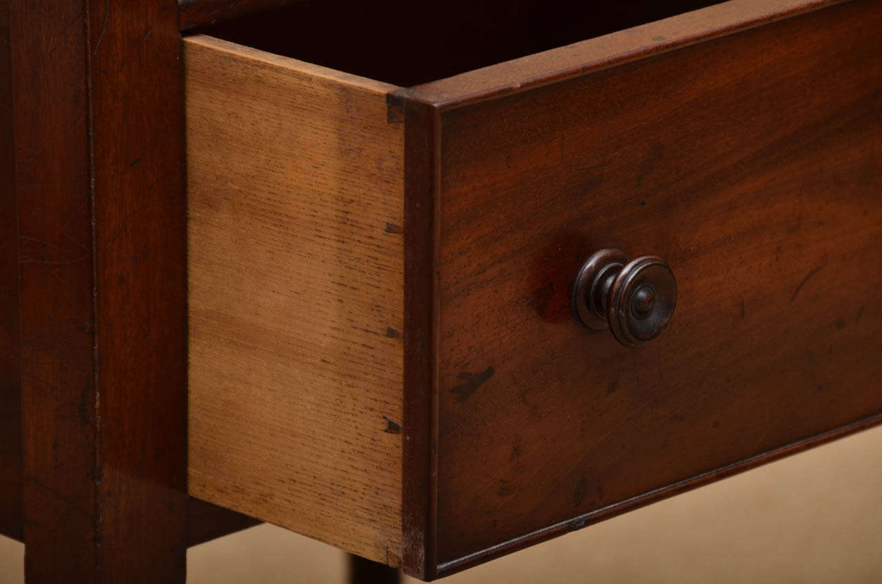 Early 19th Century Mahogany Étagère For Sale 2
