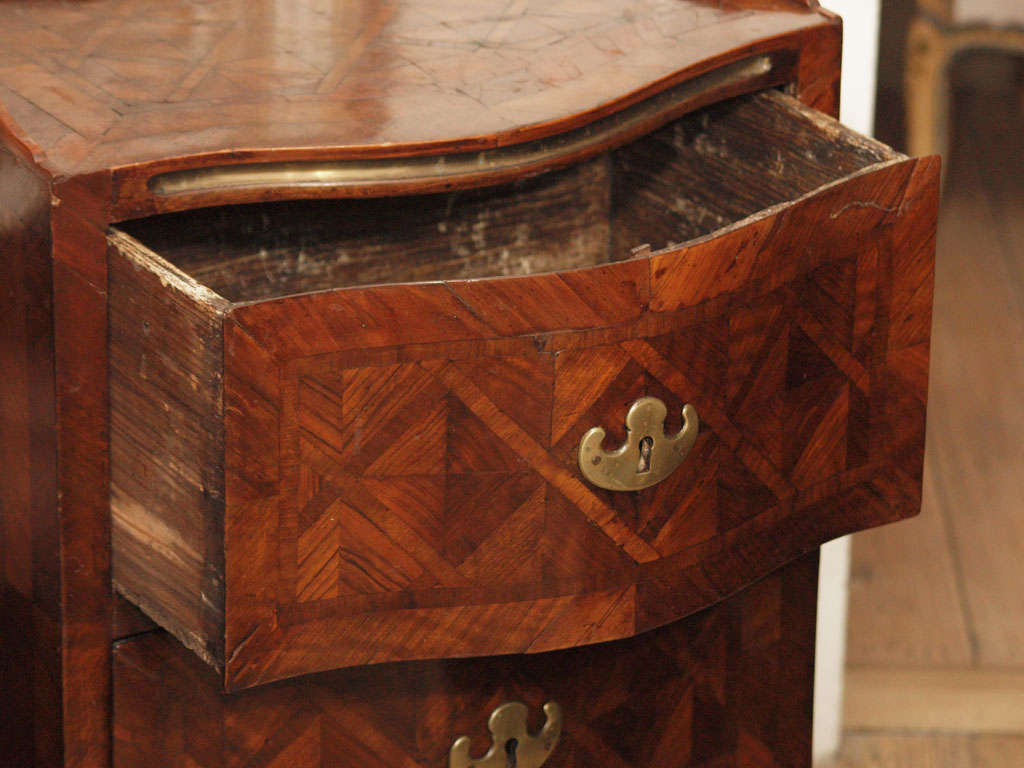 18th Century and Earlier Sicilian 18th Century Walnut Commode For Sale