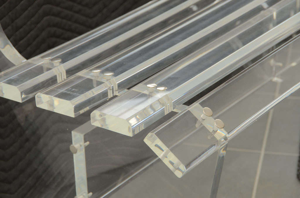 Lucite Bench In Excellent Condition For Sale In Bridgehampton, NY