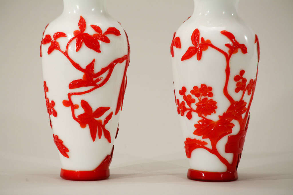 Pair of Chinese Peking Glass Red Overlay Vases with Birds For Sale 1