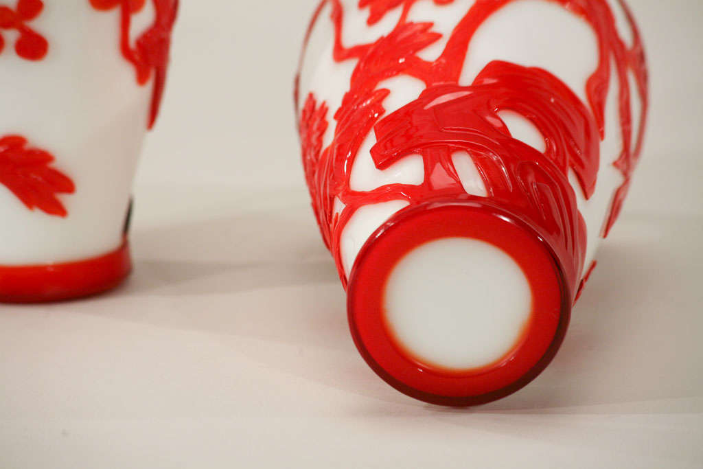 Pair of Chinese Peking Glass Red Overlay Vases with Birds For Sale 2
