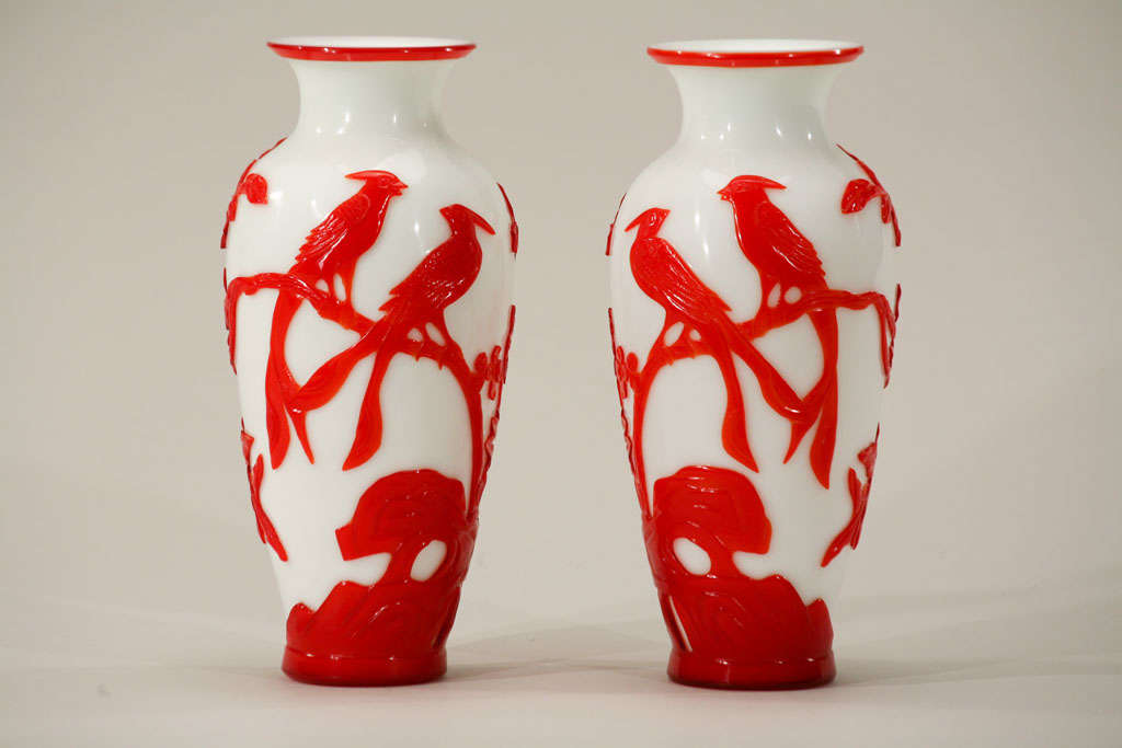 Pair of Chinese Peking Glass Red Overlay Vases with Birds For Sale 5