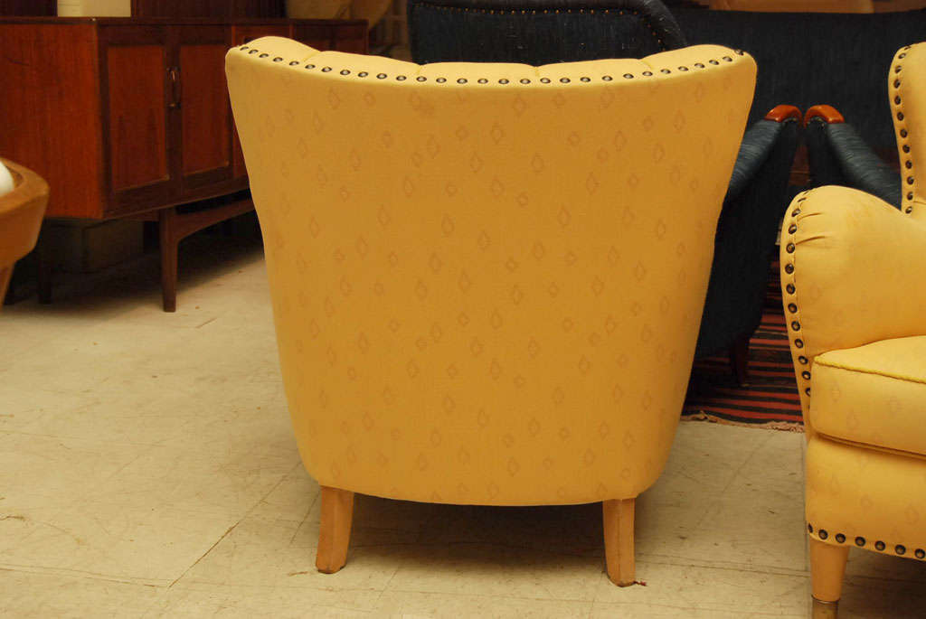 Pair of Yellow Club Chairs 8