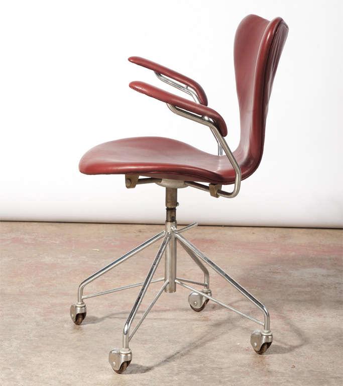 arne jacobsen vintage office chair model 3217 4 arne jacobsen office chair