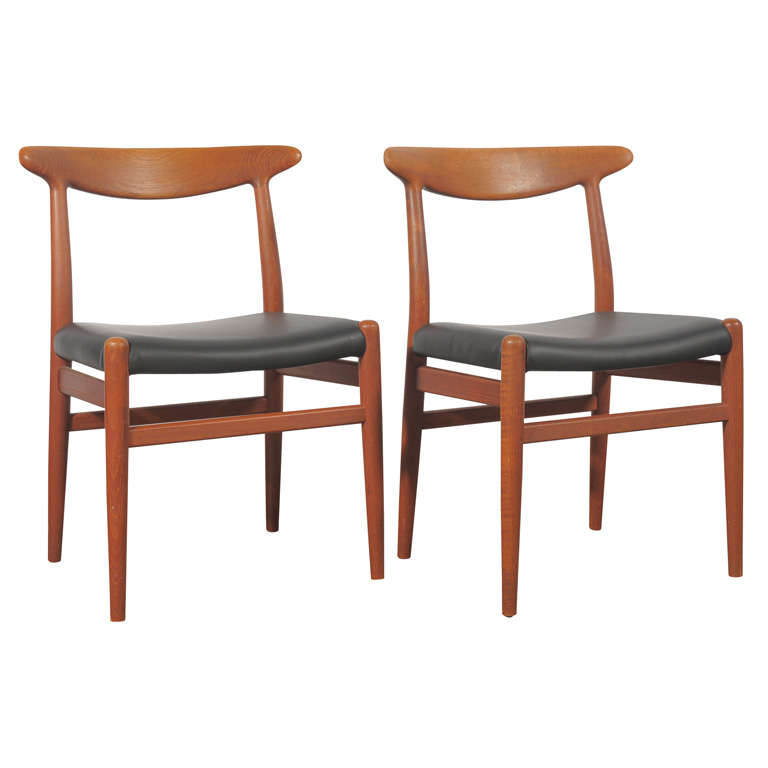 Hans wegner dining chair for sale at 1stdibs for Wegner dining chair