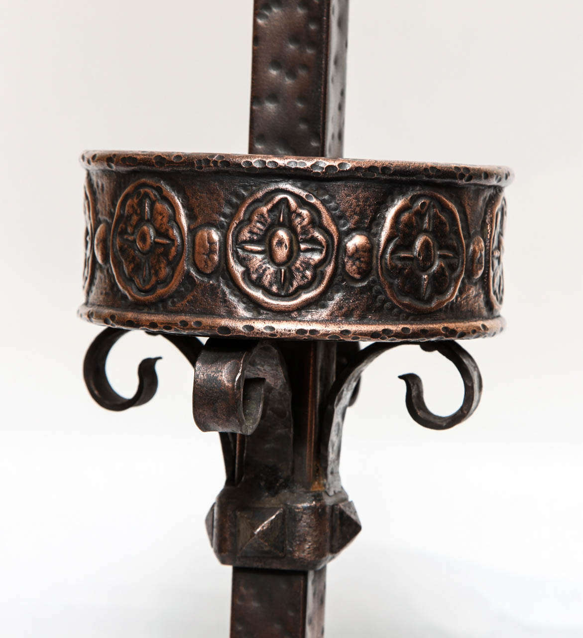 1920s Art Deco Patinated Bronze Floor Lamp In Excellent Condition For Sale In New York, NY
