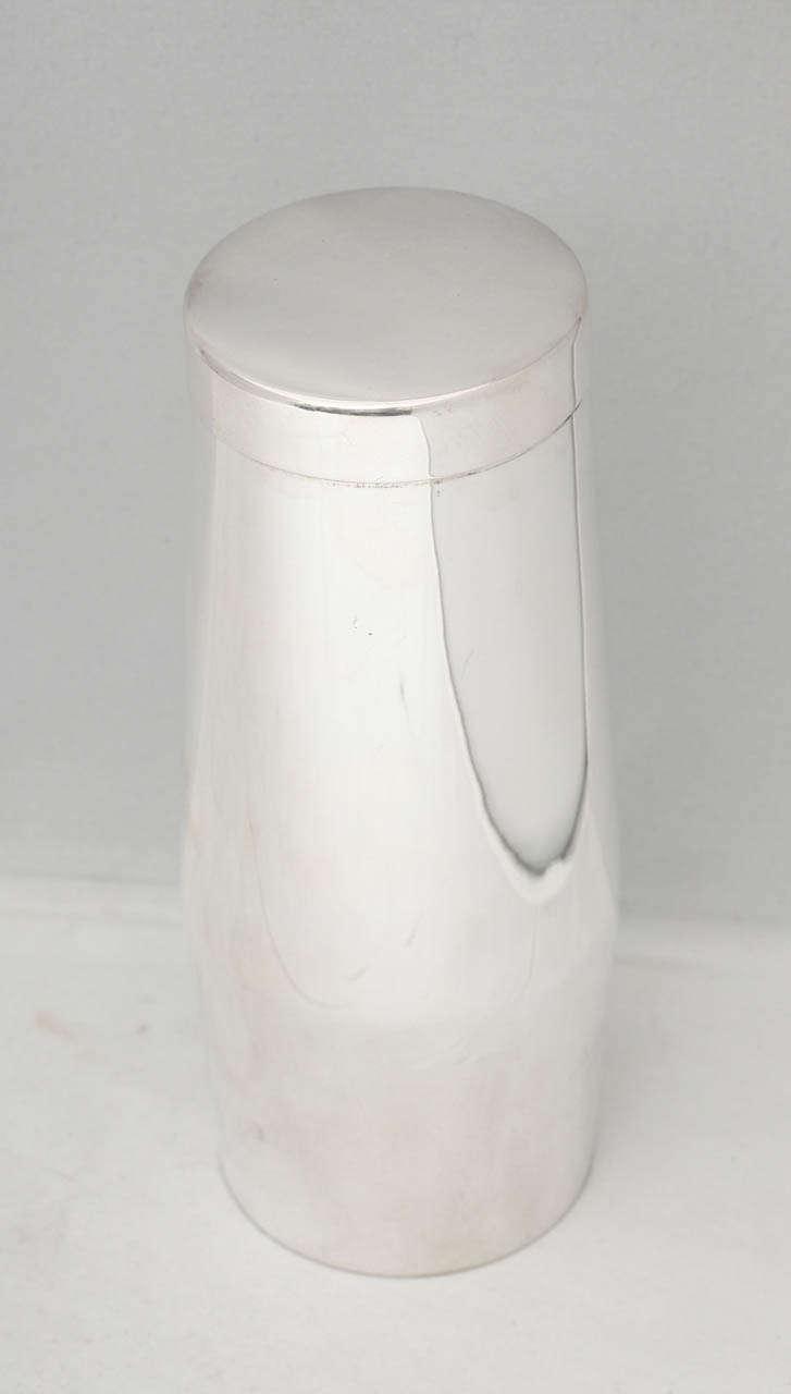 mid century modern sterling silver cocktail shaker for sale at 1stdibs. Black Bedroom Furniture Sets. Home Design Ideas