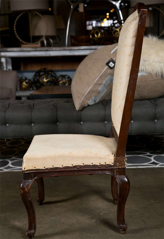Pair of Italian Walnut Chairs, circa 1750 In Good Condition For Sale In Norwalk, CT