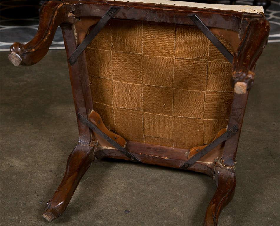 Pair of Italian Walnut Chairs, circa 1750 For Sale 1