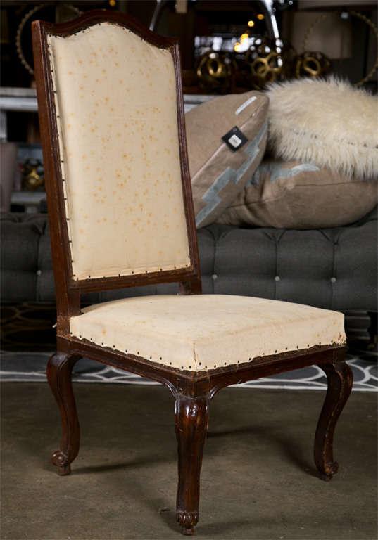 Pair of Italian Walnut Chairs, circa 1750 For Sale 3