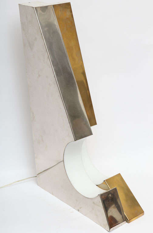 1960s Italian Futurist Table Lamp For Sale 3