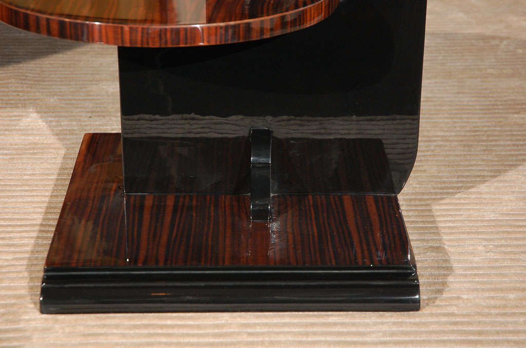 Modernist Side Table attributed to Denham Maclaren In Excellent Condition In Los Angeles, CA
