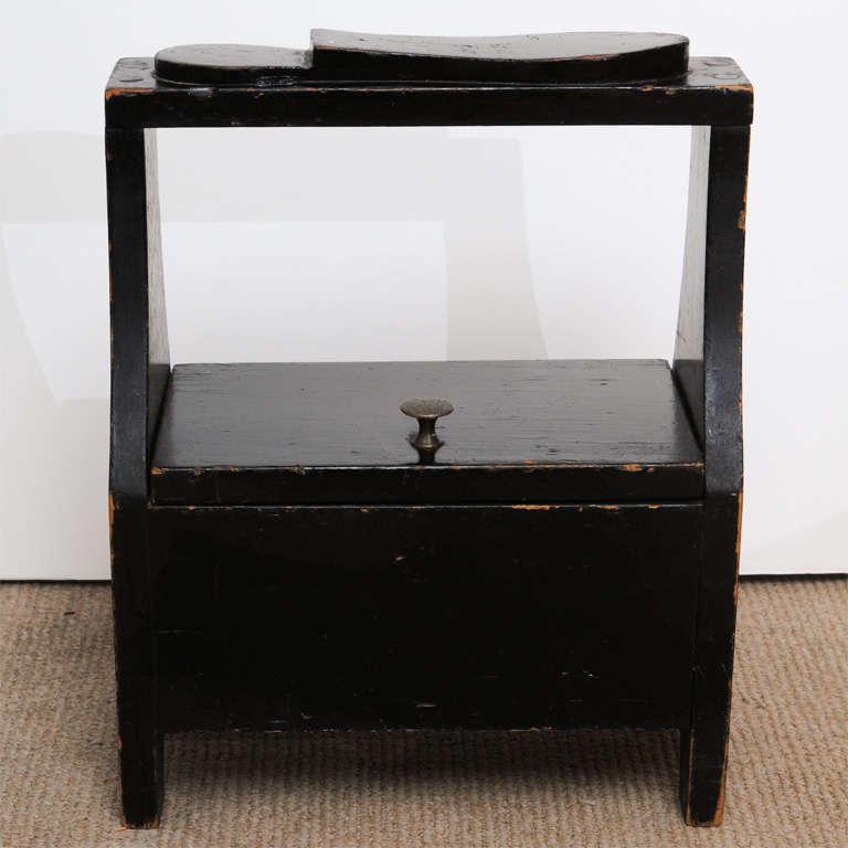 Antique black shoe-shine box 3
