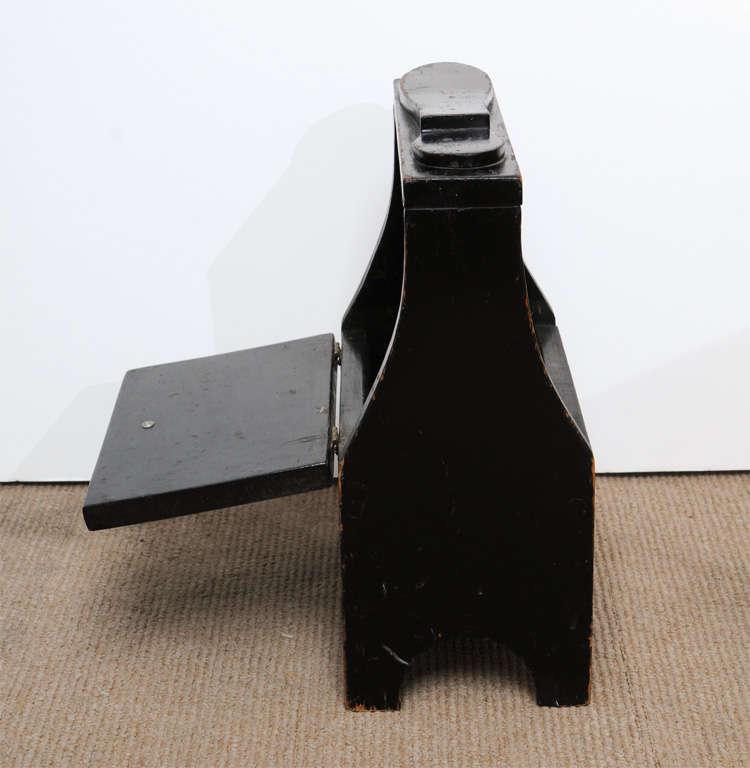 Antique black shoe-shine box 9