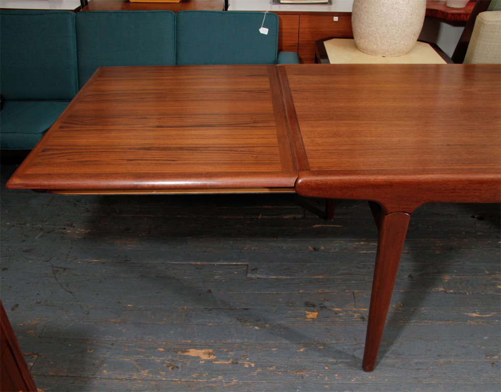 Danish Expandable Dining Table by Johannes Andersen For Sale 2