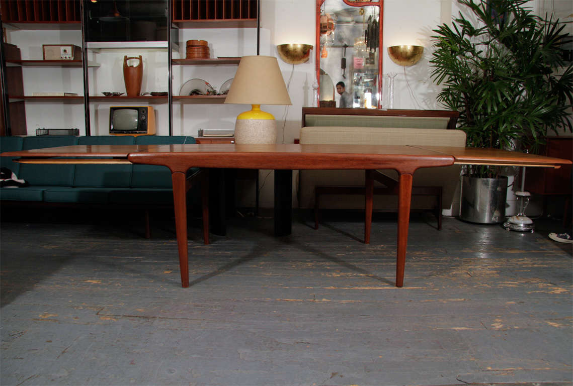 Danish Expandable Dining Table by Johannes Andersen For Sale 3