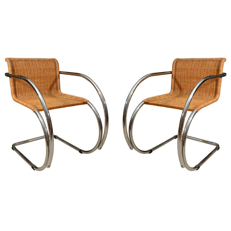 Pair Mies van der Rohe MR Chairs