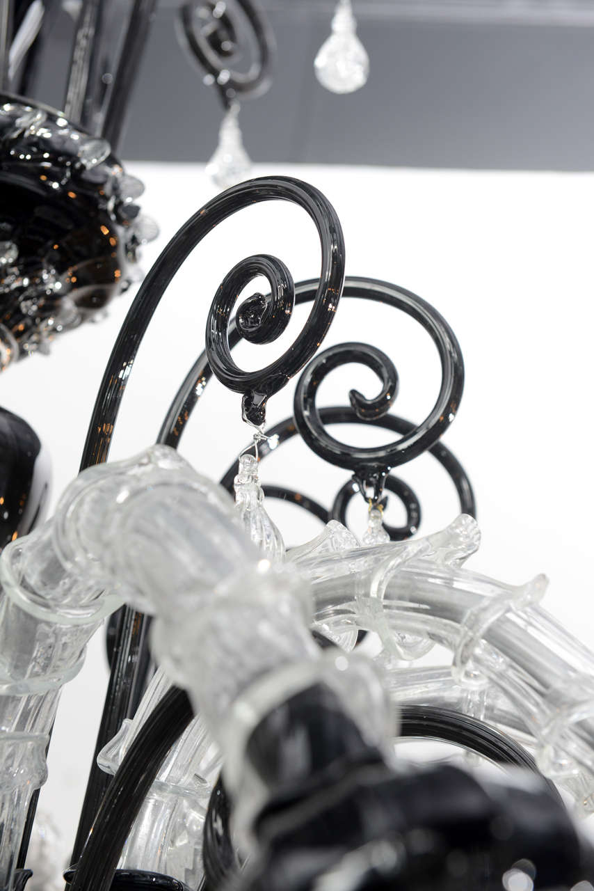 Monumental Venetian Black and Clear Glass 12-Arm Chandelier, Murano For Sale 2