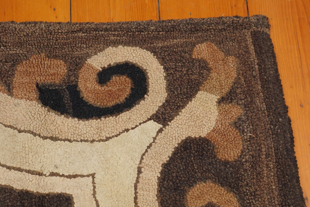 Hand-Woven American Hooked Rug with Floral Decoration For Sale