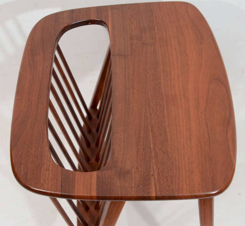 Walnut Side Table with Magazine Rack by Arthur Umanoff In Good Condition For Sale In New York, NY