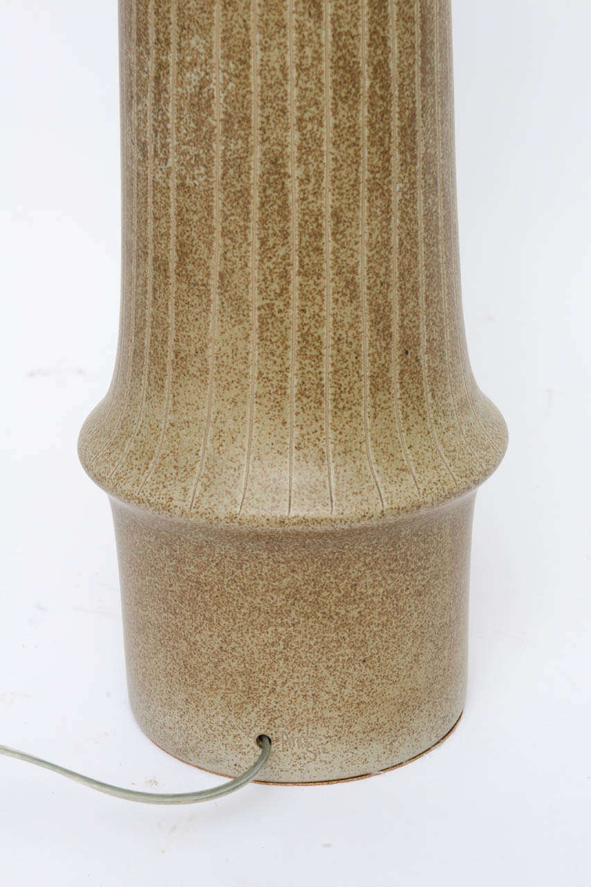 Exceptional 1950s Tall Gordon Martz Pottery Table Lamp For Sale 2