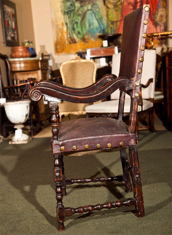 17th Century Walnut Armchair For Sale 1