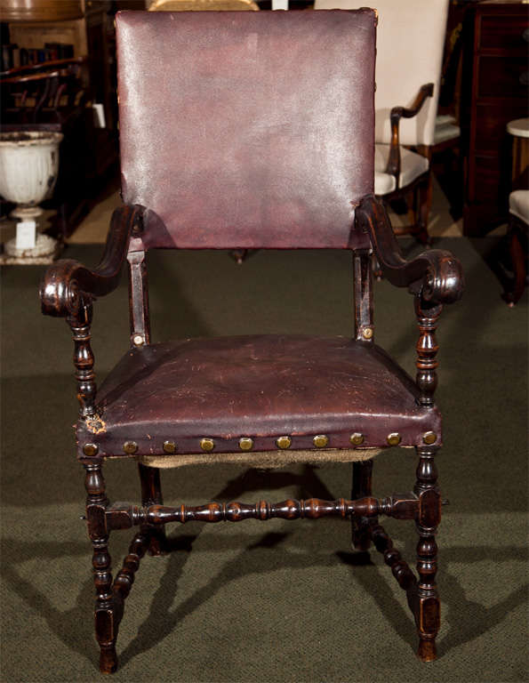 17th Century Walnut Armchair For Sale 6
