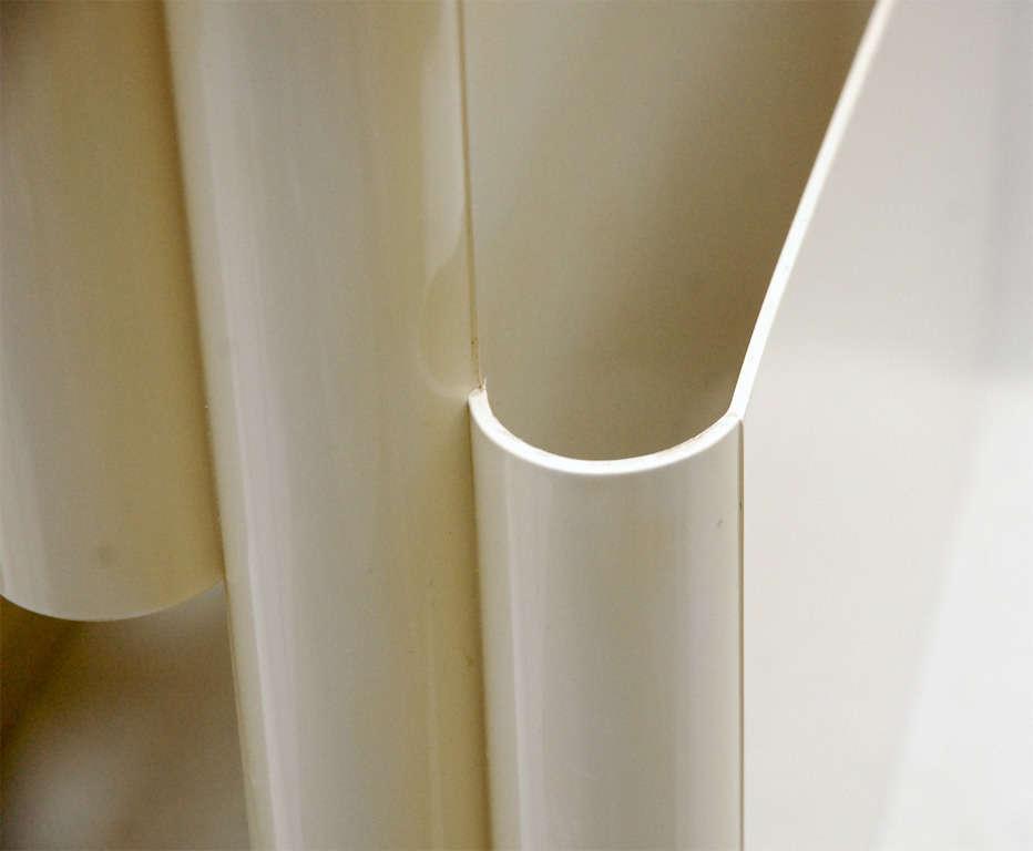 Model 4675 Portariviste in Cream Acrylic by Giotto ...  Model 4675 Port...