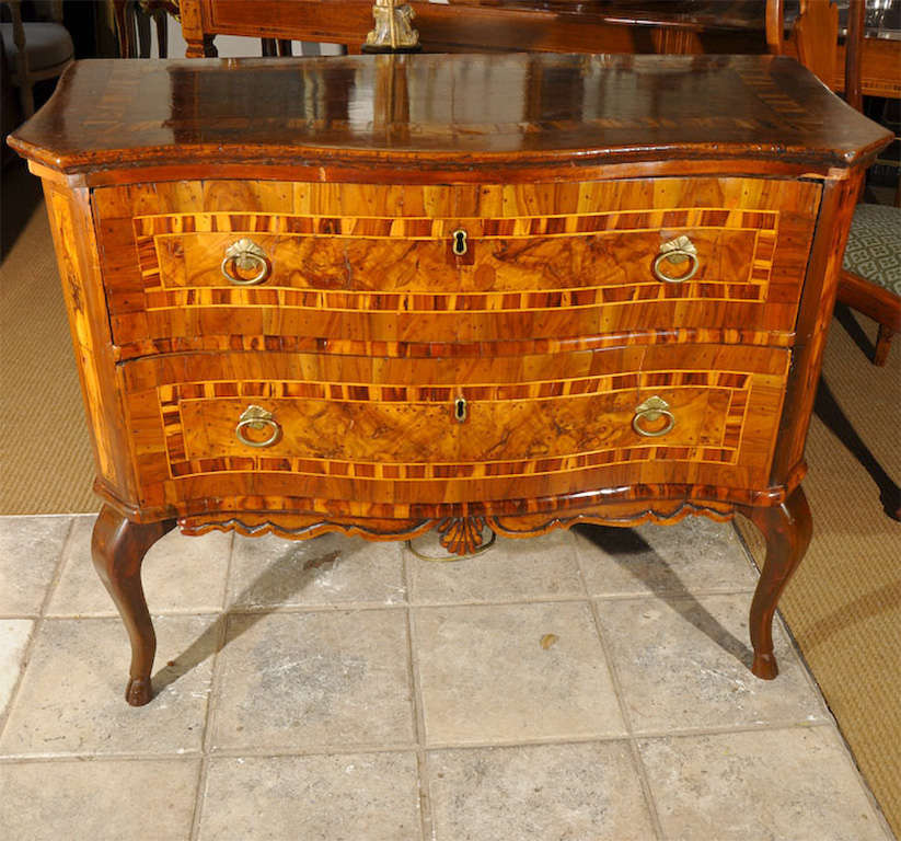 Italian baroque commode at 1stdibs - Commode baroque a peindre ...