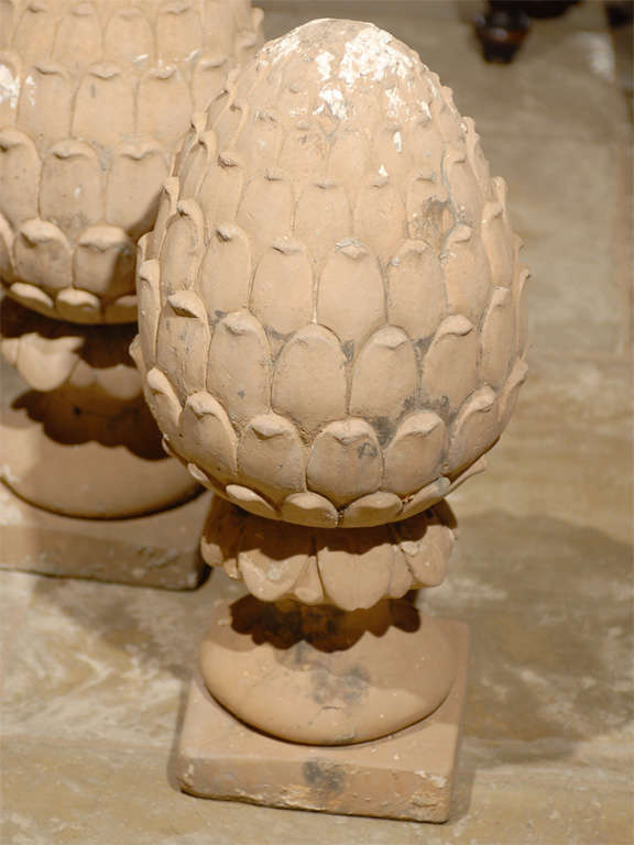 Pair of Vintage Pineapple Garden Ornaments For Sale at 1stdibs