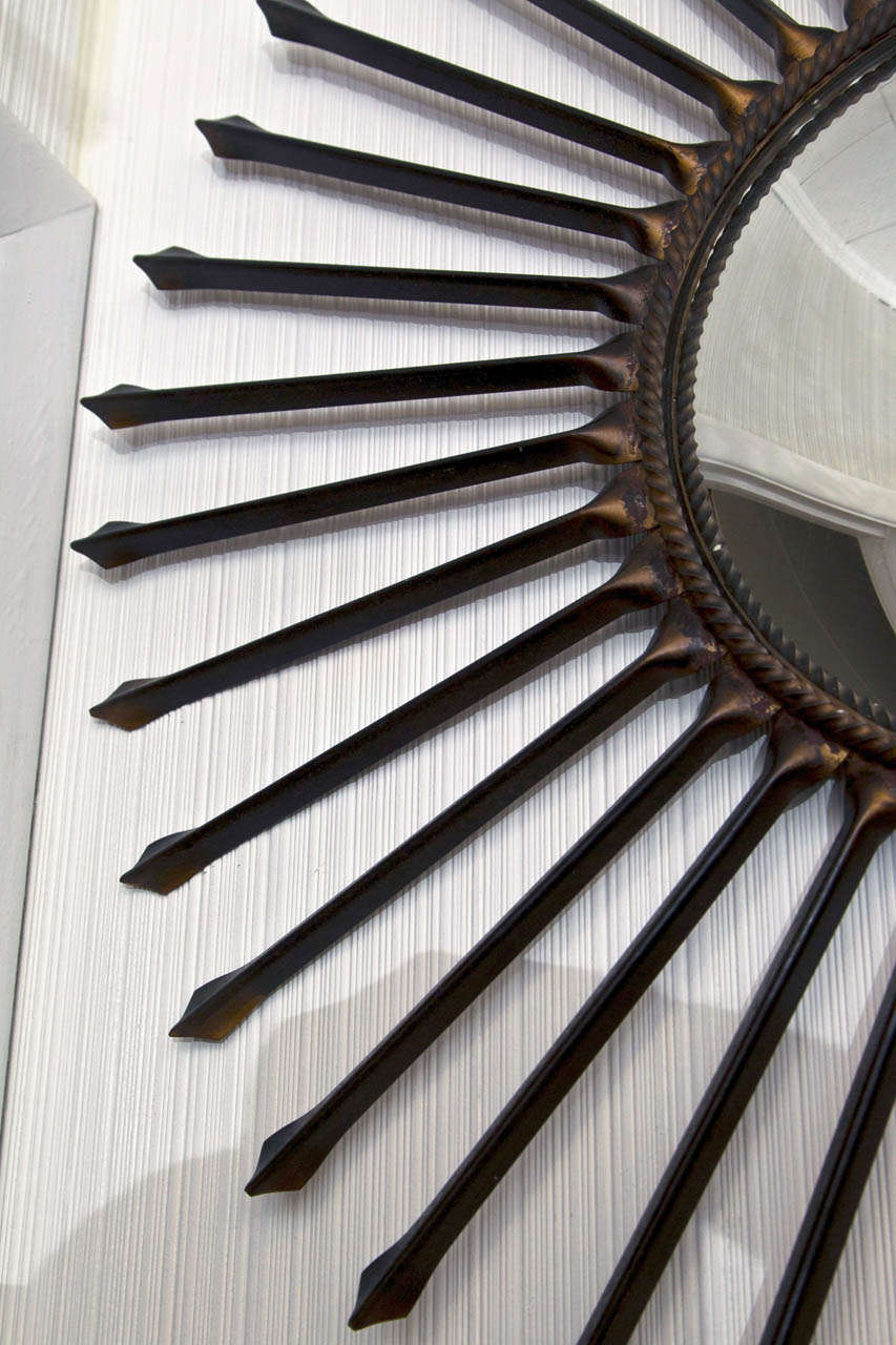 Metal Arrow Sun Ray Mirror In Good Condition For Sale In Mt Kisco, NY