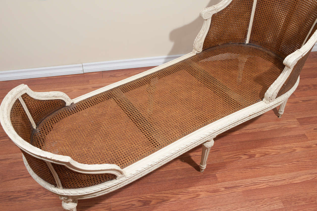 19th century louis xvi style chaise longue for sale at 1stdibs for Chaise longue toile