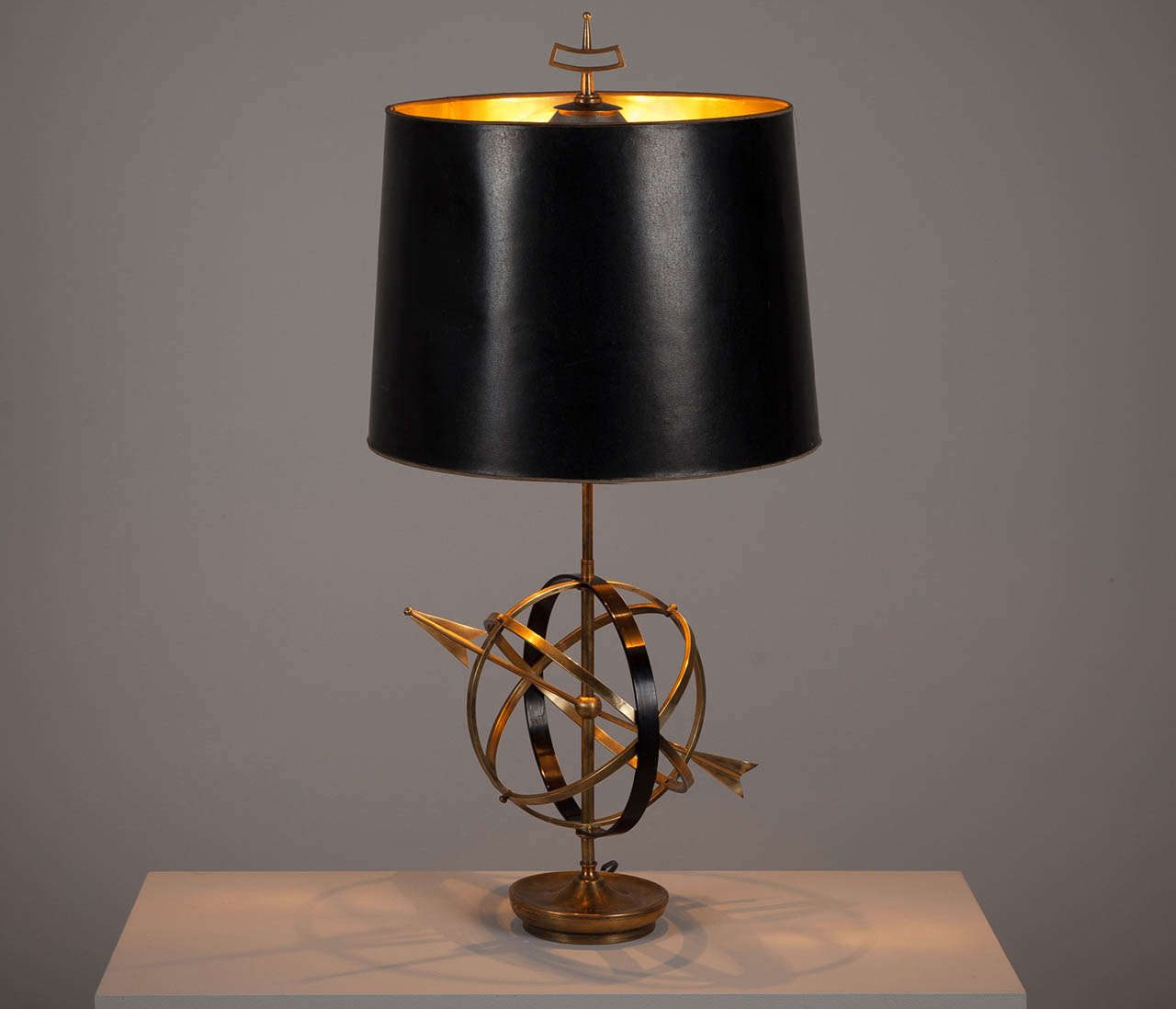 solid brass 39 sundial 39 table lamp at 1stdibs. Black Bedroom Furniture Sets. Home Design Ideas