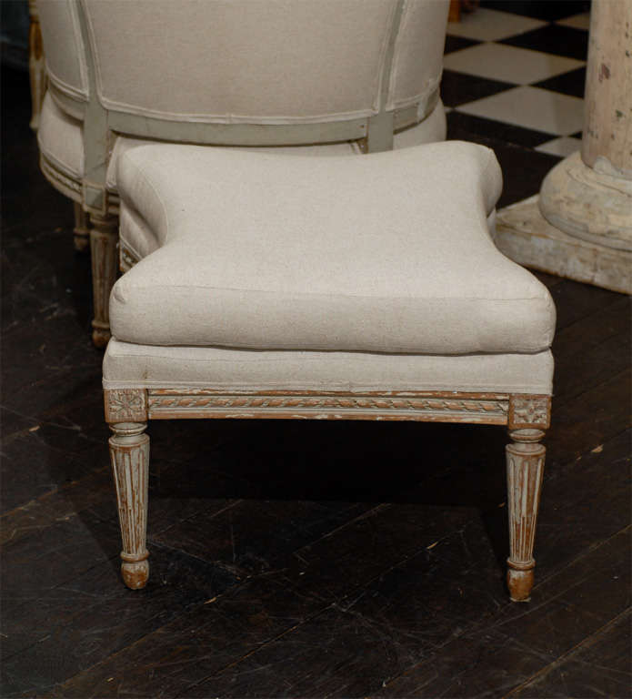 French 19th Century Louis XVI Style Bergère à Oreilles with Tabouret For Sale 3