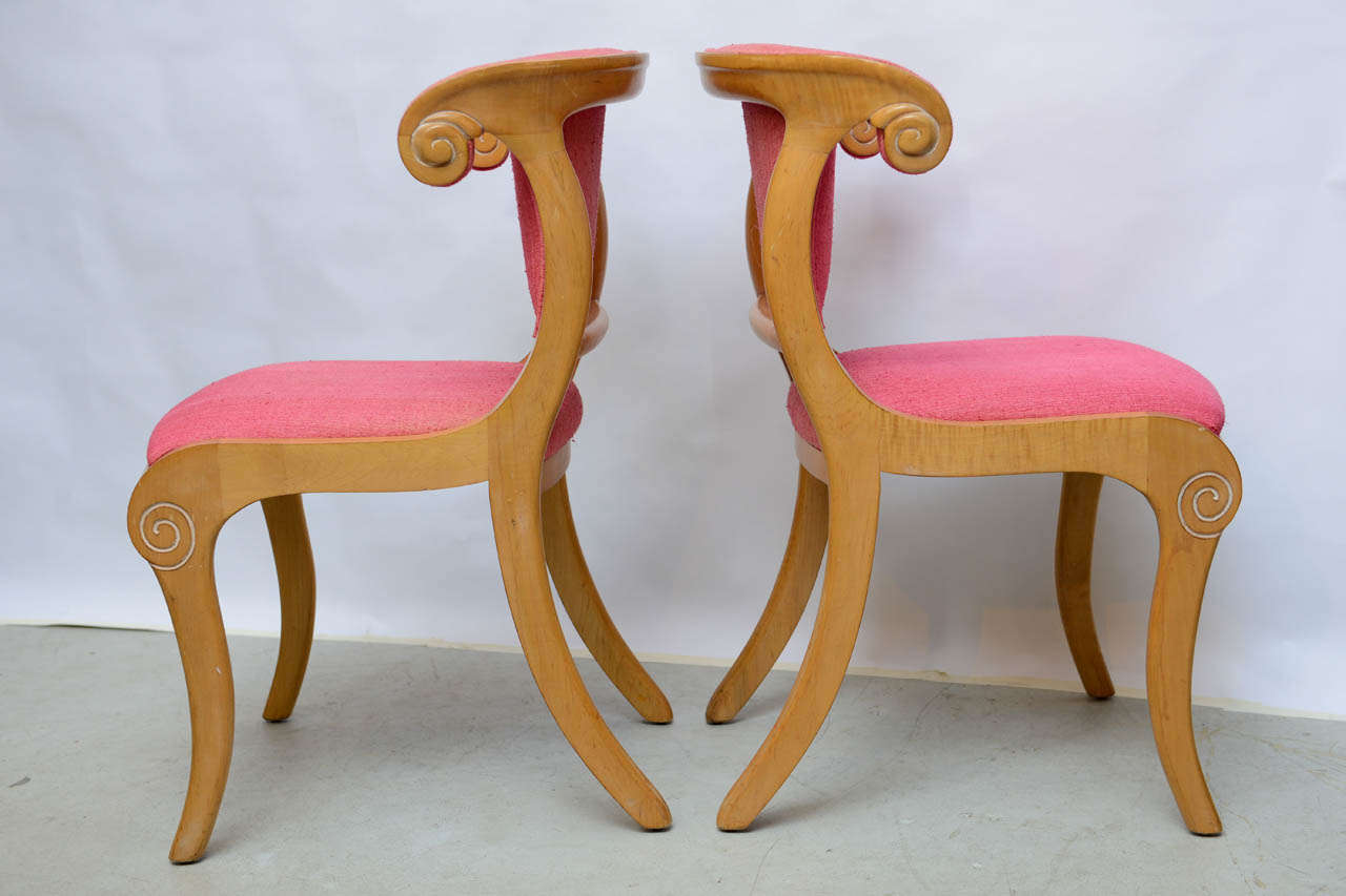 Set Of Mid Century Biedermier Klismos Chairs At 1stdibs