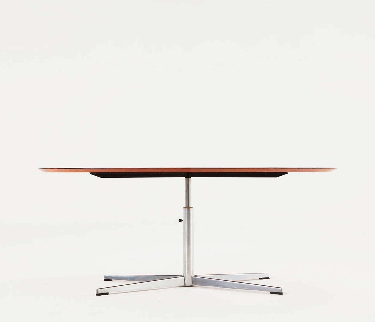 oval rosewood table with height adjustable pedestal base at 1stdibs. Black Bedroom Furniture Sets. Home Design Ideas