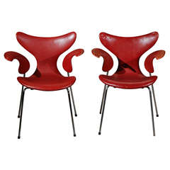 Pair of Seagull Chairs by Arne Jacobsen