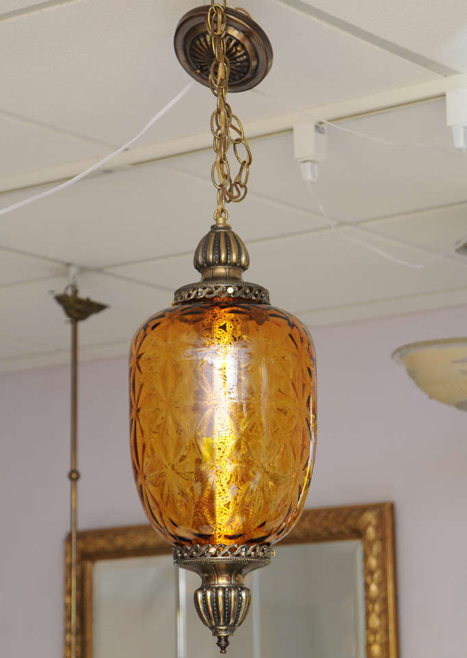 Huge antique amber pendant stunning drama on the ceiling. Restored rewired.