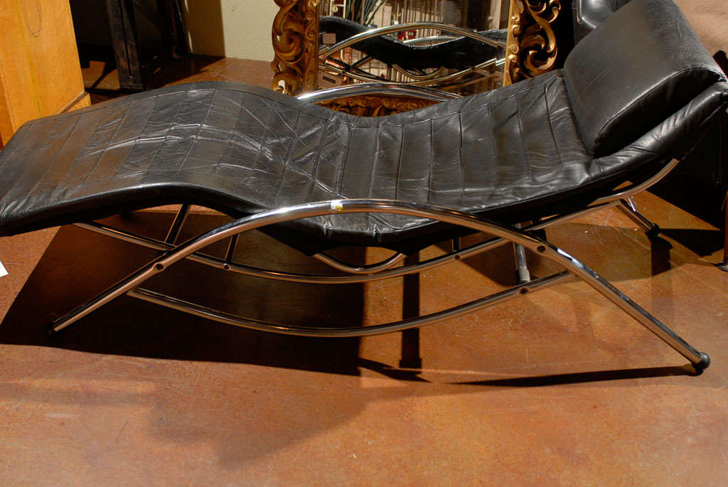Italian black leather and chrome chaise longue at 1stdibs for Black leather chaise longue