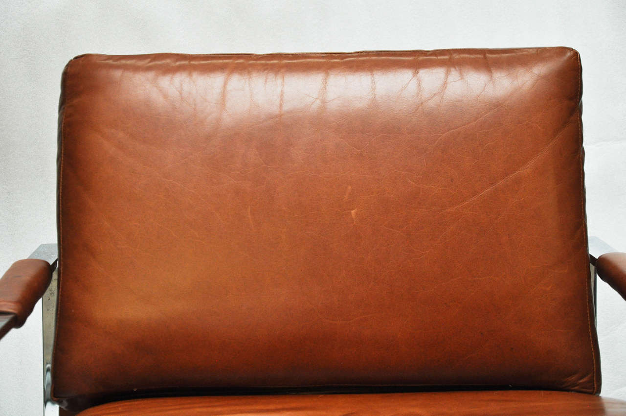 Milo Baughman Leather and Chrome Chair In Excellent Condition For Sale In Chicago, IL