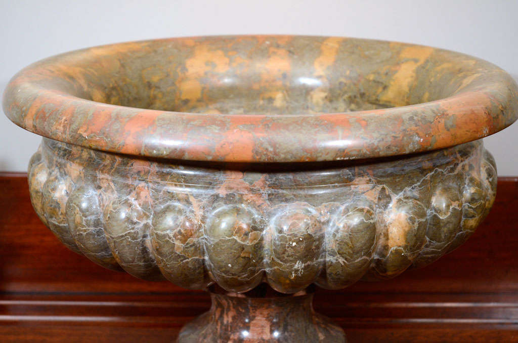 Pair of 19th Century Marble Urns For Sale 5