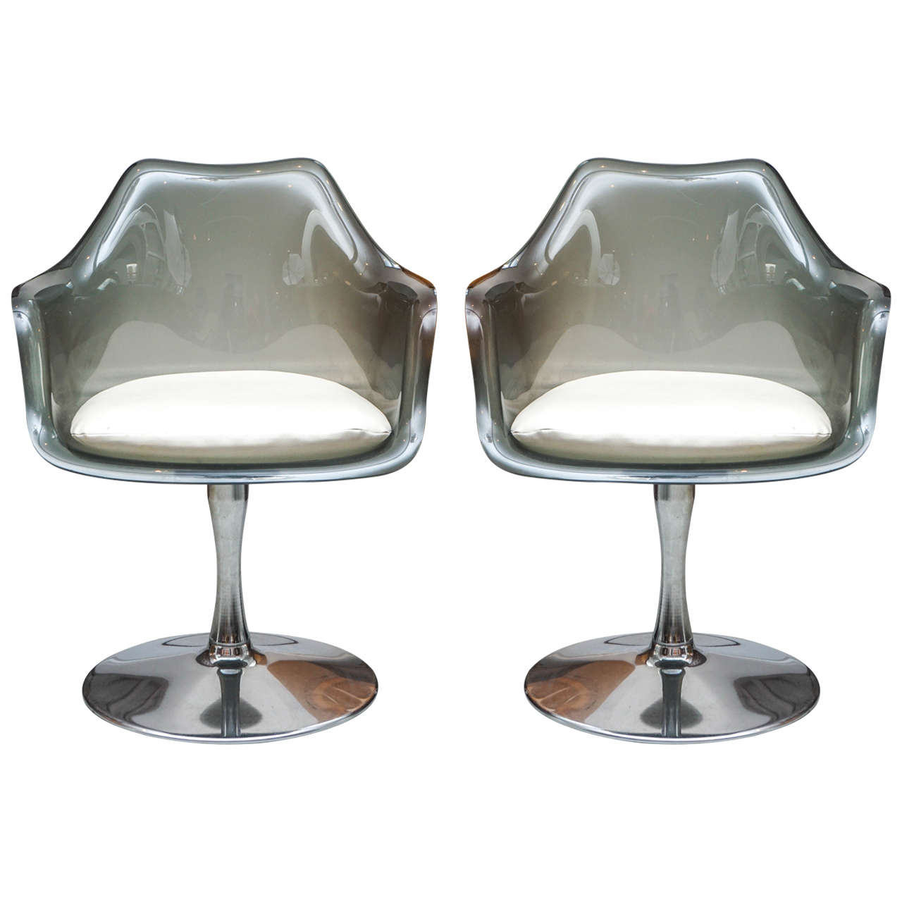 Pair Of 1960s Tulip Chairs In The Style Of Eero Saarinen At 1stdibs