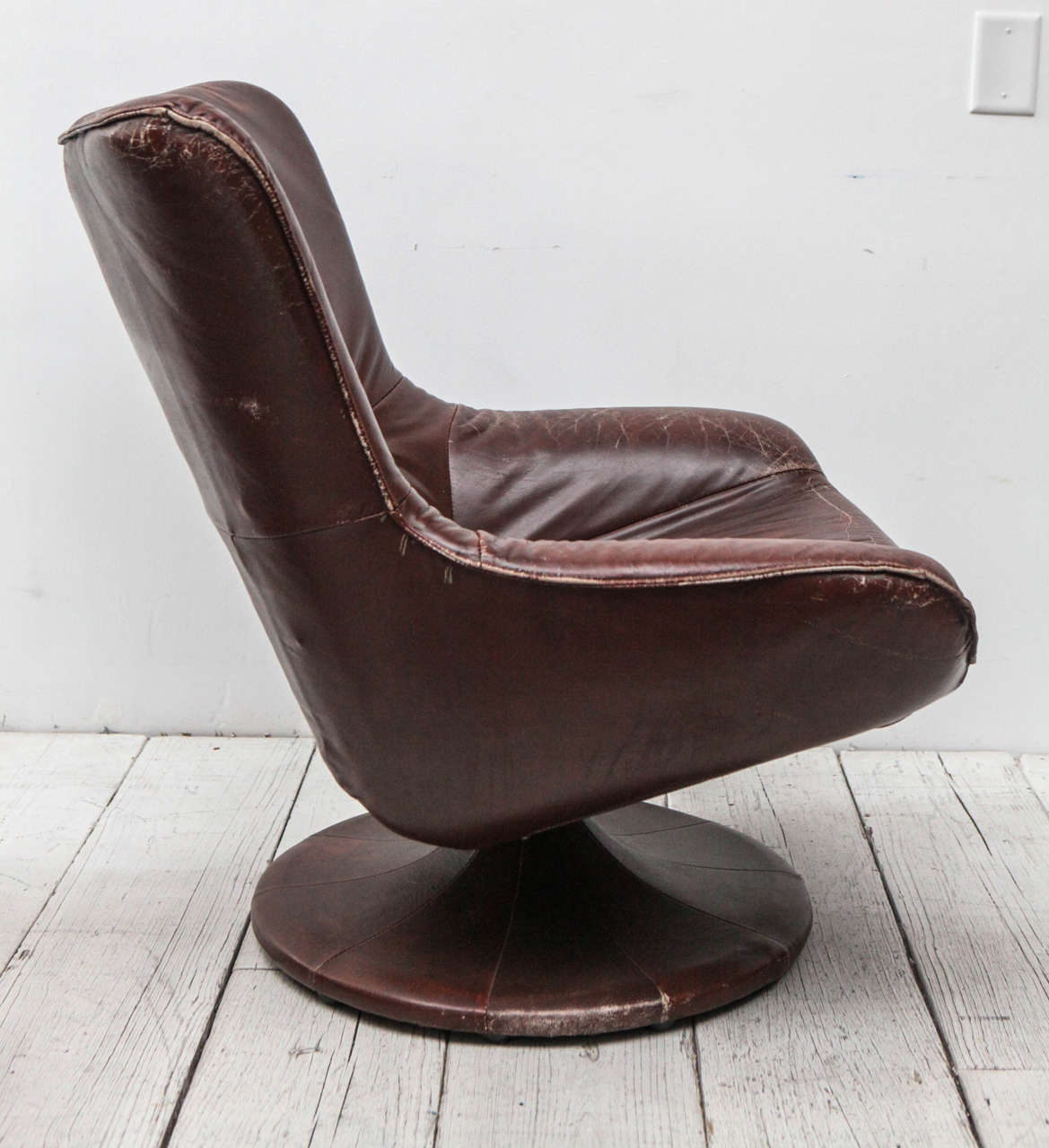 Leather Gerard Van Den Berg Style Swivel Chair At 1stdibs