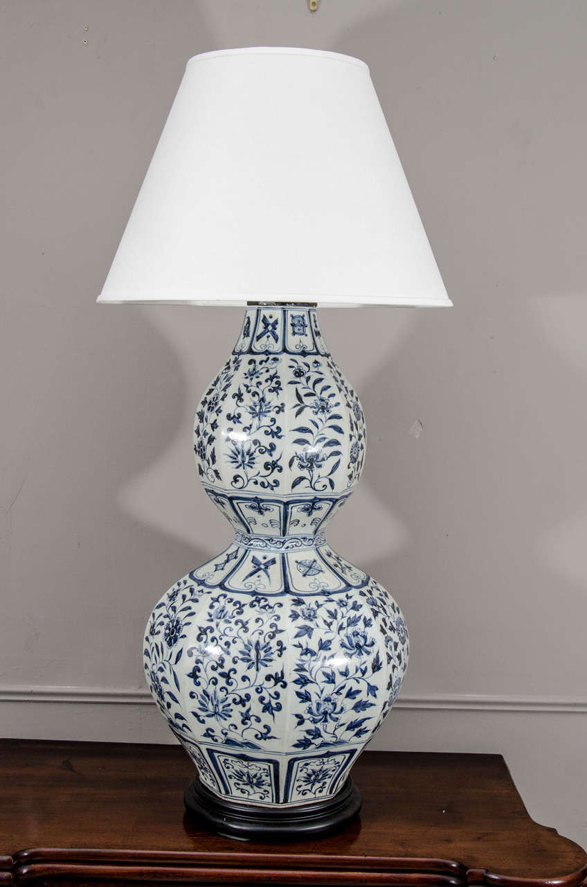 Pair of large chinese blue and white double gourd calabash vases pair of large chinese blue and white double gourd calabash vases wired as lamps reviewsmspy